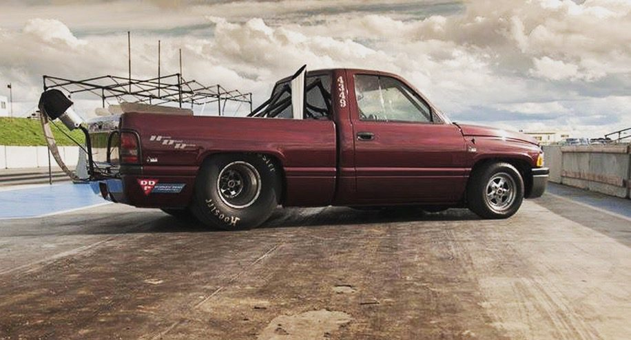 Competition drag truck